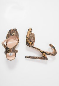 Steve Madden - LUV - High heeled sandals - yellow - 3