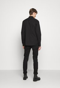 Versace Jeans Couture - BASIC LOGO - Camicia - black - 2
