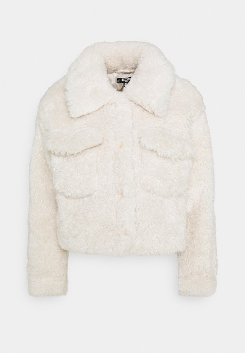 Missguided Petite - CROPPED BORG TRUCKER - Winter jacket - cream