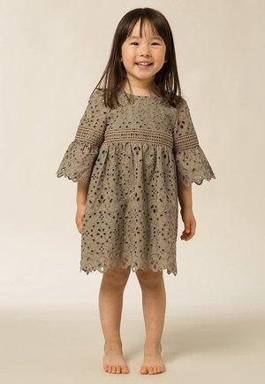 Rüschen   - Korte jurk - frosty sage