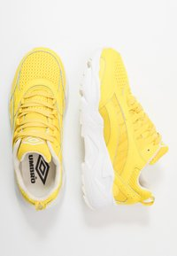 Umbro Projects - NEPTUNE - Sneakersy niskie - fluo yellow/white/ black - 1