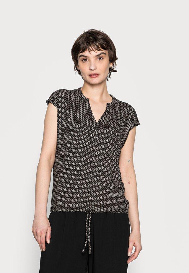 SANDEO GEOMETRIC - T-shirt con stampa - black