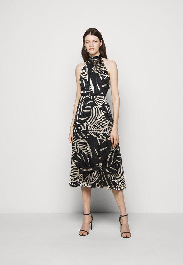 ADRIAN PALM BURNOUT DRESS - Etui-jurk - black/neutral