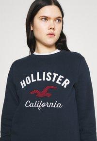 Hollister Co. - LOGO CREW - Sweatshirt - navy - 3