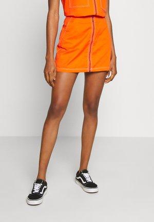 BAILEY SKIRT - Minifalda - flame orange