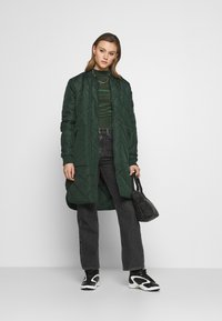 Monki - PIRA - Long sleeved top - green from last year - 1