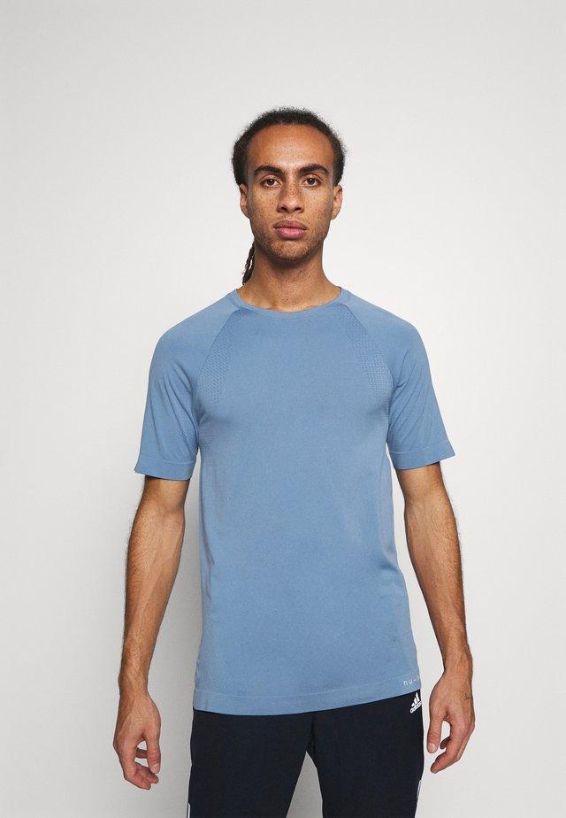 SHORT SLEEVE TRAINING  - Basic T-shirt - blue