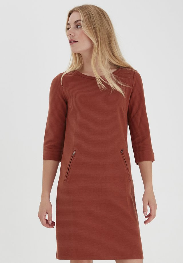 FRZARILL - Jersey dress - barn red