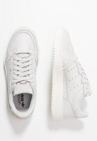 adidas Originals - SUPERCOURT - Trainers - grey one/crystal white - 1