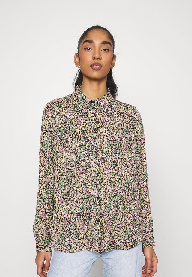 VILUCY BUTTON - Button-down blouse - black