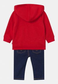 Levi's® - HOODIE SET - Sweater - red - 1