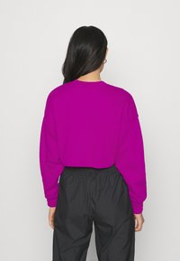 Nike Sportswear - AIR CREW CROP - Sweatshirt - cactus flower/white - 2