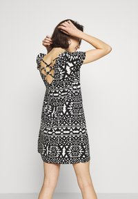 ONLY - BERA  - Jersey dress - cloud dancer/black aztek - 2