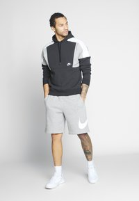 Nike Sportswear - Shorts - grey heather/white - 1
