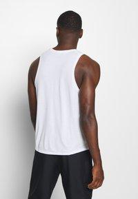 Nike Performance - MILER TANK - Funktionströja - white/silver - 2