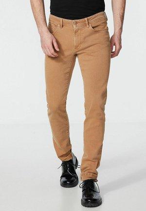 MARRAKESH SIENNA  - Slim fit jeans - sienne