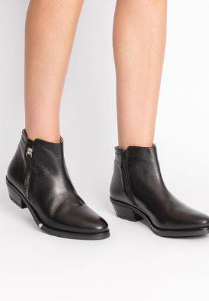 ZANECA - Korte laarzen - black