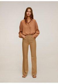 Mango - RORO - Button-down blouse - middenbruin - 1