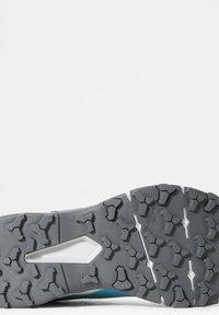 The North Face - EXPLORIS FUTURELIGHT - Hikingschuh - maui blue zinc grey - 5