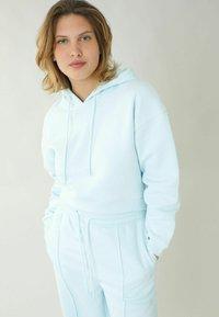 Pimkie - Felpa con cappuccio - blau - 0