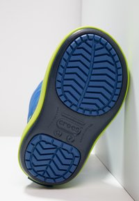 Crocs - LODGEPOINT BOOT RELAXED FIT - Boots - blue jean/navy - 4