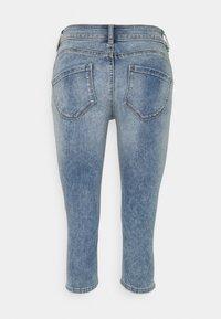 TOM TAILOR - KATE CAPRI - Shorts - random bleached  blue denim - 1