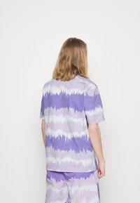 adidas Originals - UNISEX - Print T-shirt - light purple - 2