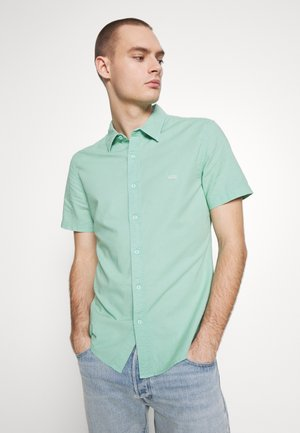 BATTERY SLIM - Shirt - creme de menthe