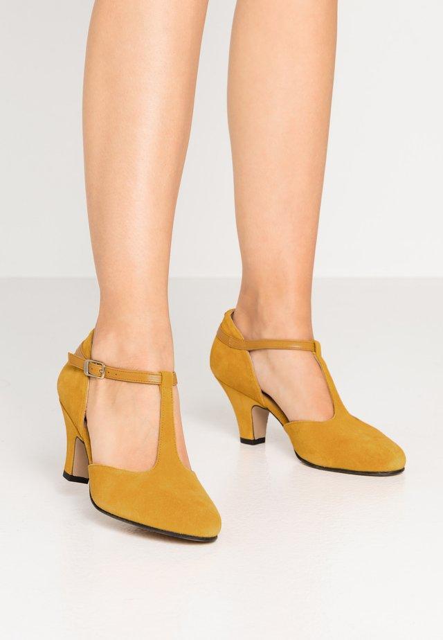 Classic heels - mostaza