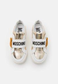 MOSCHINO - Trainers - white/gold - 3
