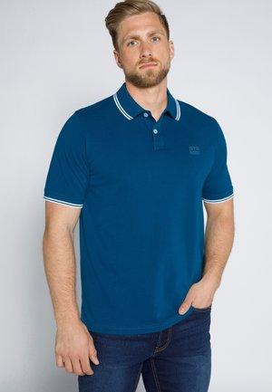 MIT KONTRASTDETAILS - Poloshirt - kapitänsblau