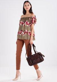 Spikes & Sparrow - Handbag - dark brown - 1