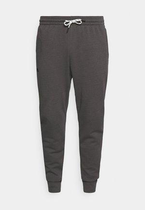 RIVAL TERRY JOGGER - Teplákové kalhoty - jet gray