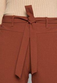 Kaffe - JILLIAN BELT PANT - Trousers - cherry mahogany - 4