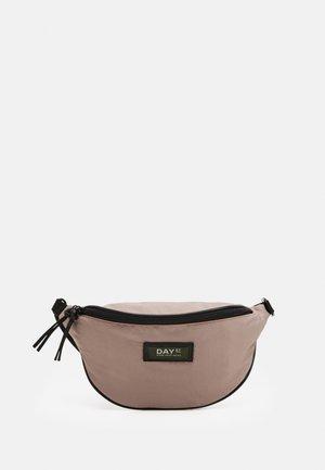 GWENETH BUM - Across body bag - blush