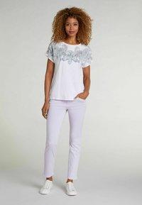 Oui - Print T-shirt - white green - 1