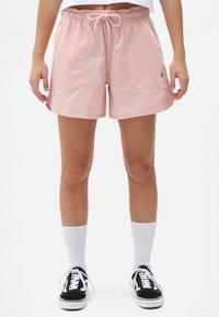 Dickies - VICTORIA - Shorts - light pink - 0