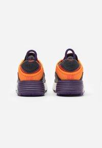 Nike Sportswear - AIR MAX 2090 UNISEX - Sneakers laag - magma orange/black/eggplant/habanero red - 2