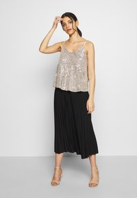 Dorothy Perkins Petite - TIERED SEQUIN CAMI - Top - silver - 1