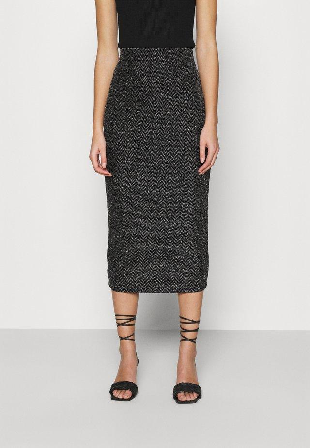 HIGH WAISTED PENCIL SKIRT - Pouzdrová sukně - black/metallic chevron