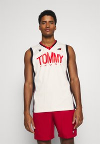 Tommy Hilfiger - BASKETBALL ICONIC TANK - Funktionsshirt - white - 0