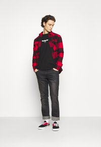 Only & Sons - ONSMILO LIFE HEAVY CHECK  - Skjorta - fiery red - 1