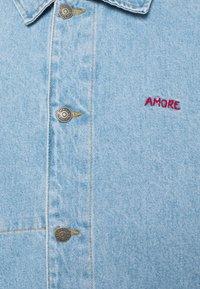 Maison Labiche - WORKER JACKET AMORE - Giacca di jeans - denim bleached - 2