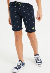 WE Fashion - MET PALMBOOMOPDRUK - Shorts - dark blue - 1