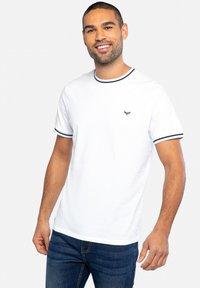 Threadbare - Basic T-shirt - mehrfarbig - 0