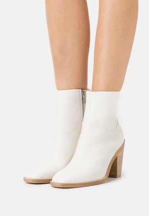 AXEL BOOT - Classic ankle boots - antique white