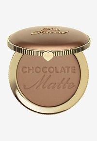 Too Faced - SOLEIL BRONZER - Bronzer - chocolate - 0