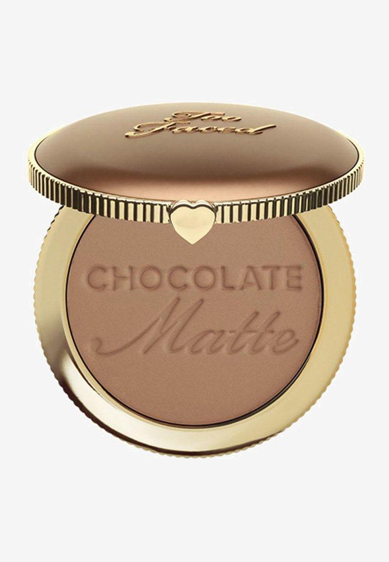 Too Faced - SOLEIL BRONZER - Bronzer - chocolate