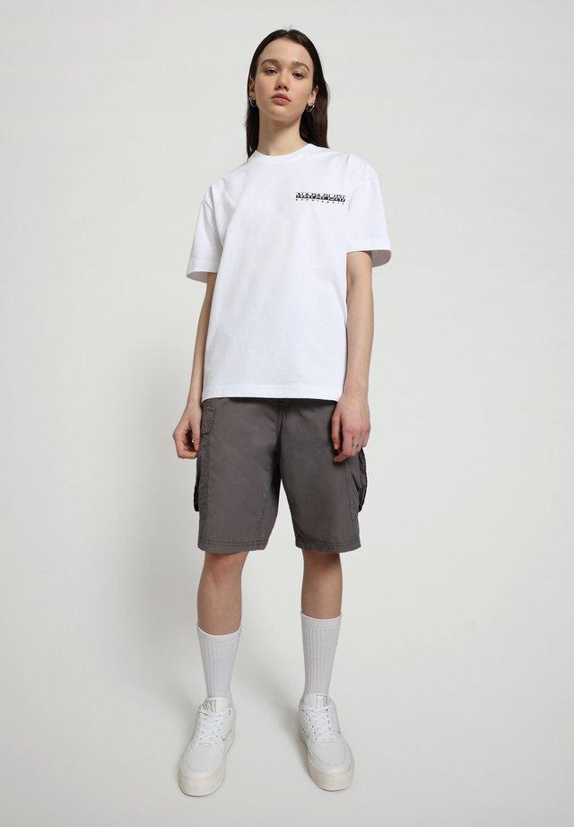 S-HAENA - T-shirt con stampa - bright white