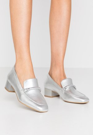 Mocassins - silver